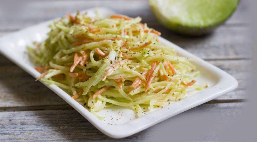 Салат из редьки с творогом и грецкими орехами